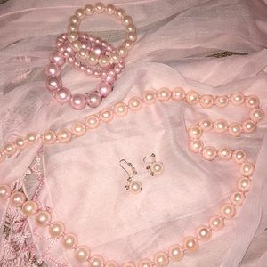 Jewelry - Pink pearl jewelry set